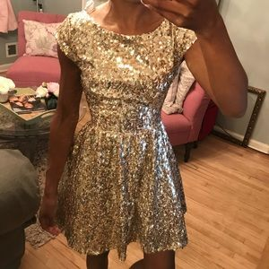 Gold. Sequins dress size extra small